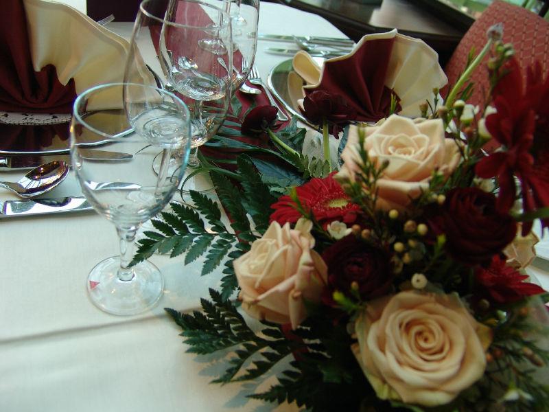 Beispiel: Tischdekoration, Foto: AKZENT Hotel Stadt Schlüchtern.