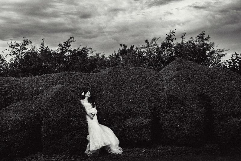 Beispiel: Braut in Schwarz-Weiß, Foto: Yannic Schon.