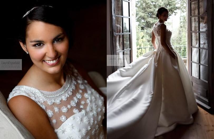 Look elegante con un recogido bajo y un maquillaje suave y natural, una belleza cautivadora, sonrisa encantadora!!