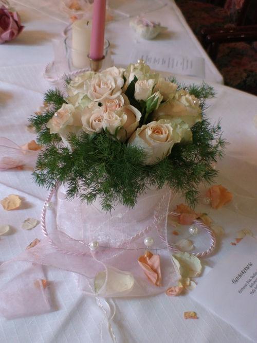 Beispiel: Tischschmuck, Foto: Sandra's Blütenzauber.
