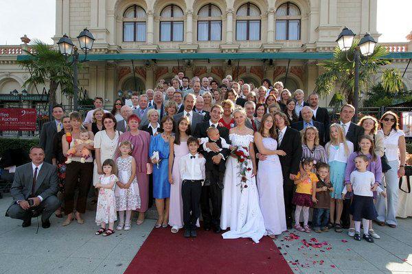 Beispiel: Hochzeitsgesellschaft, Foto: Kursalon Wien.