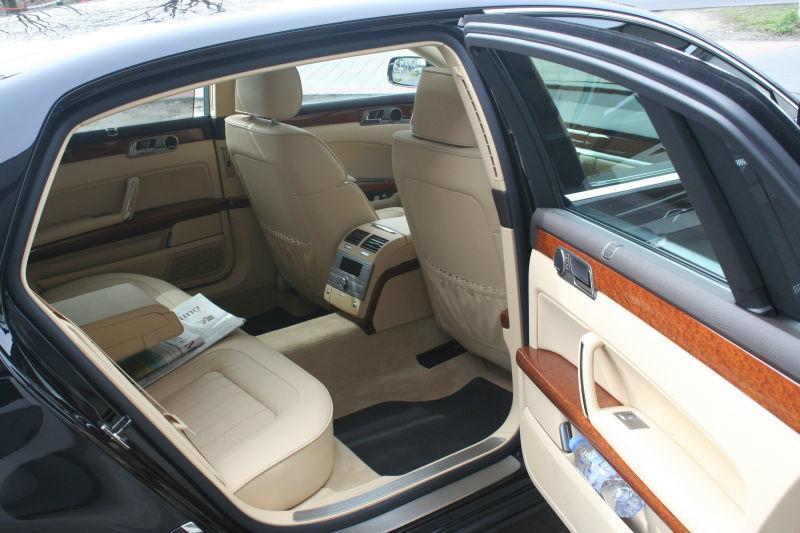Beispiel: Chauffeur-Service, Foto: BBI Limousine.