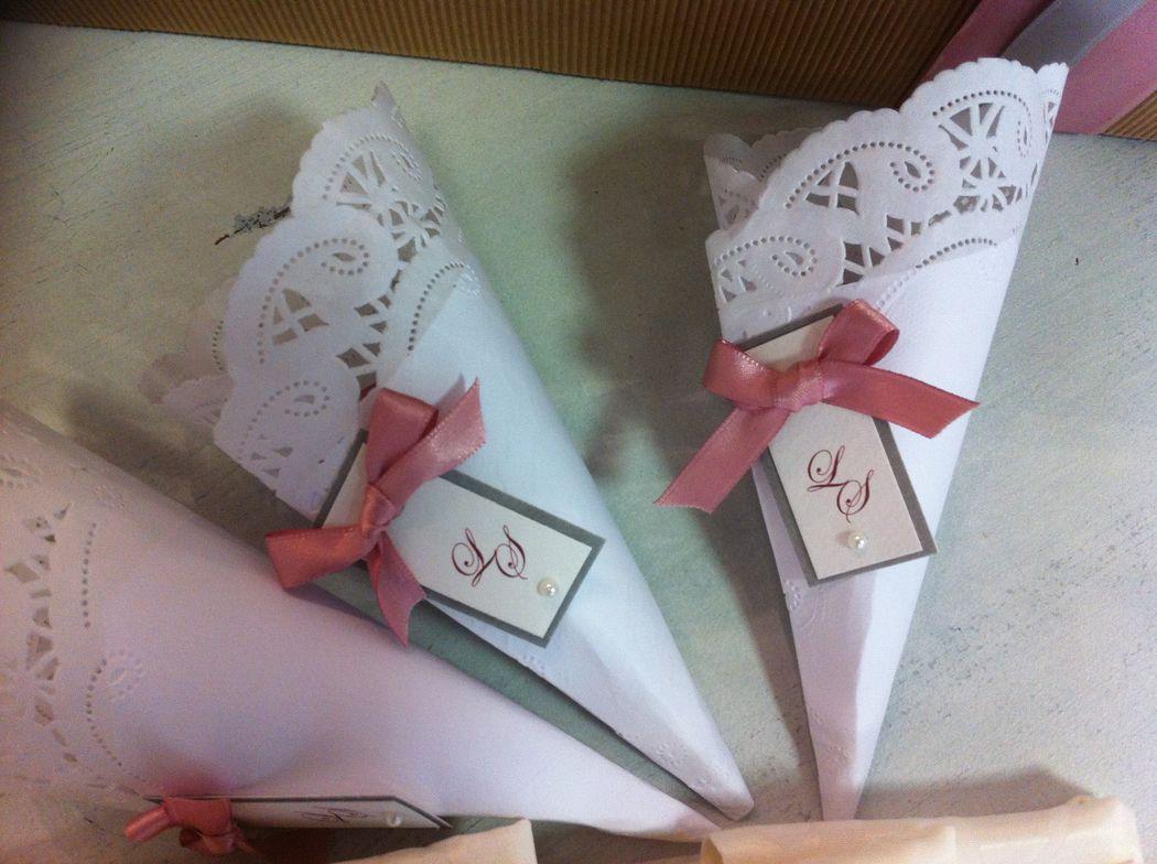 Conetto per riso o confetti per matrimonio pizzo romantico