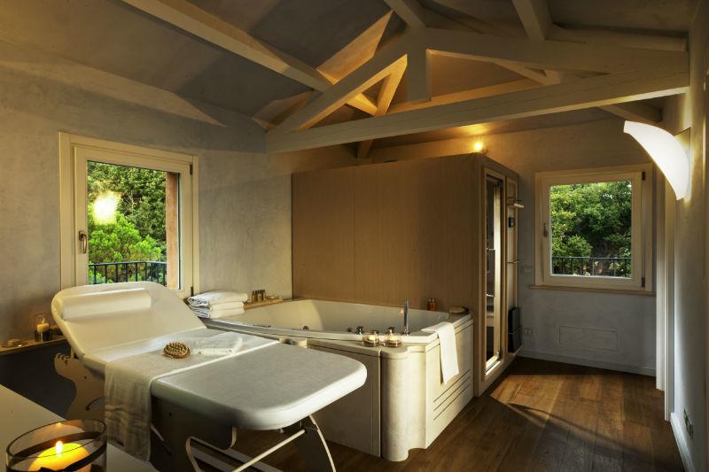 Spa il Belvedere, posizionata sulla torretta della Villa con vista sul mare e sul bosco.