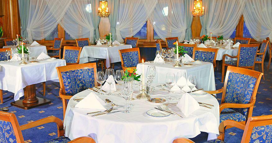 Beispiel: Restaurant, Foto: Grand Hotel Zermatterhof.