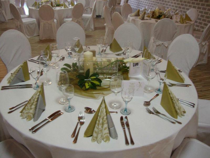 Beispiel: Tischdekoration Familienfeier, Foto: Küffner Hof.