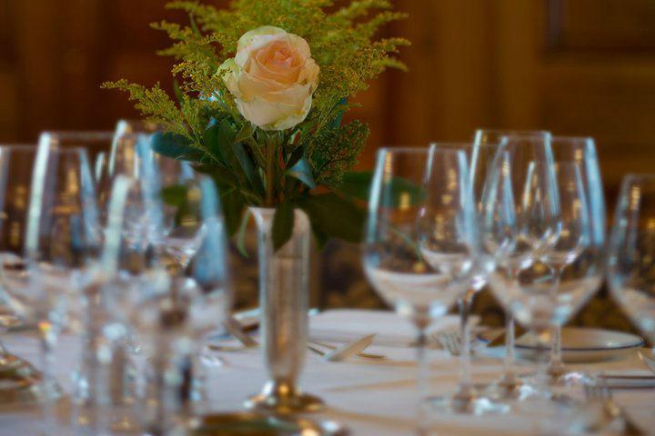 Beispiel: Tischdekoration, Foto: Grand Hotel Zermatterhof.