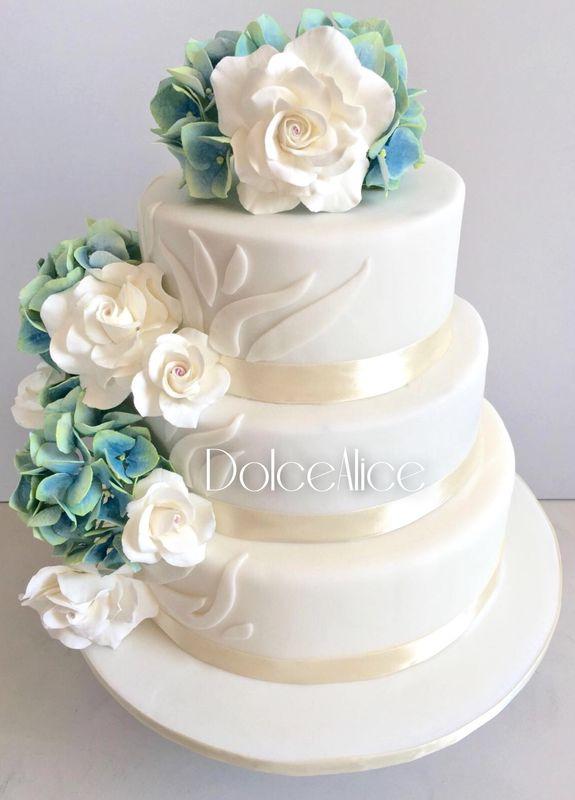 Hydrangeas & White Roses Wedding Cake