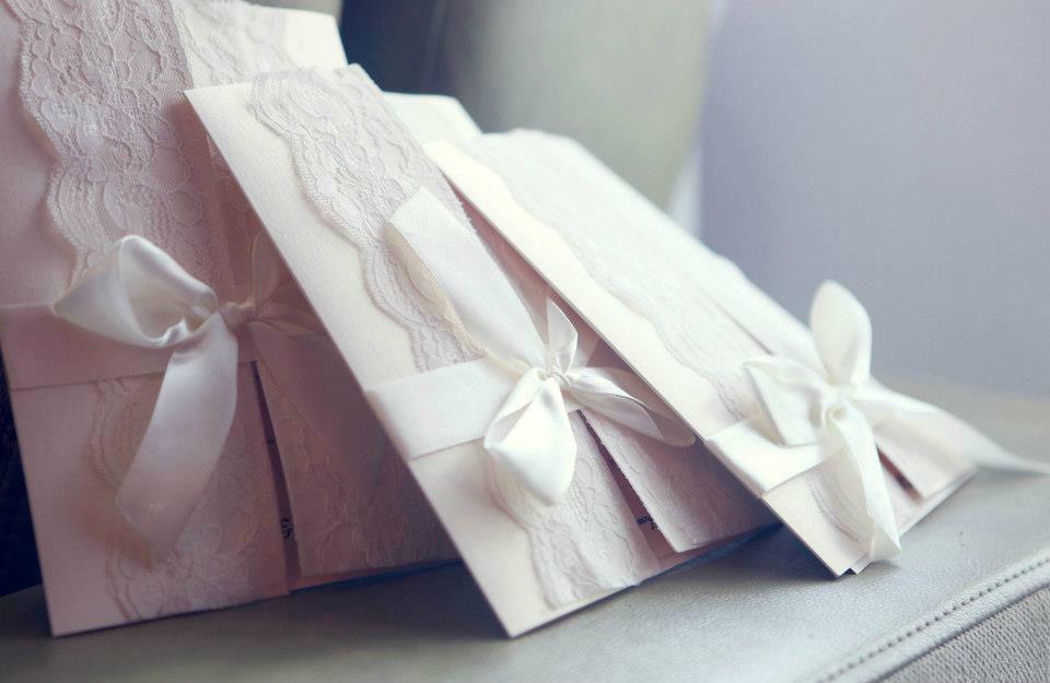 Beispiel: Hochzeitseinladungen, Foto: Trau Atelier.