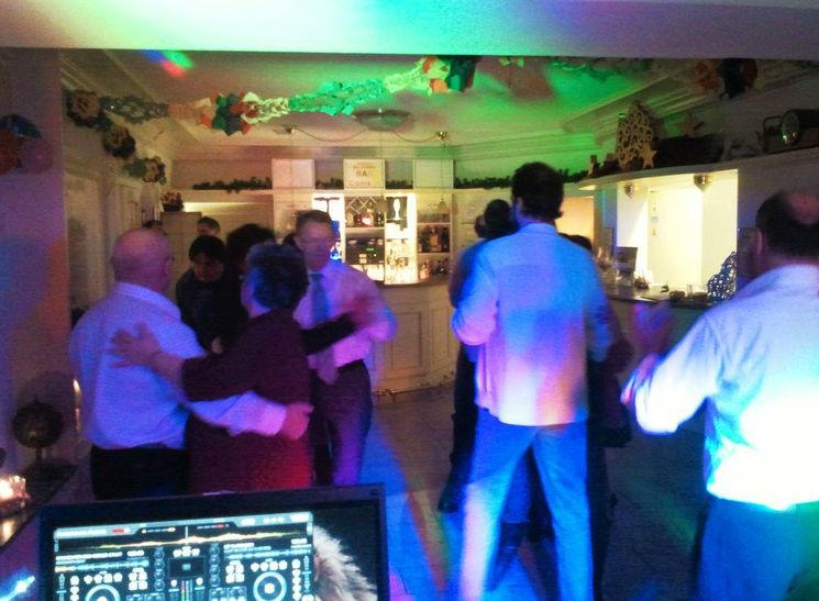 Beispiel: Partybilder, Foto: Baden Musik Xpress.