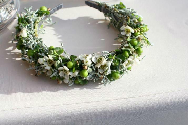 Beispiel: Haarschmuck aus Blumen, Foto: Blumen Schuster.