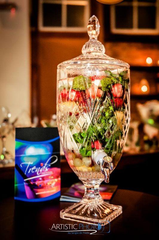 Água aromatizada, refresque seus convidados com um sabor incrível.