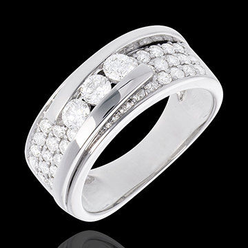 Beispiel: Ring aus neuer Kollektion, Foto: Edenly.