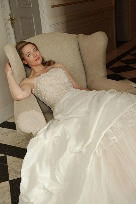 Beispiel: Brautkleid von Vera Bride, Foto: Bösckens.