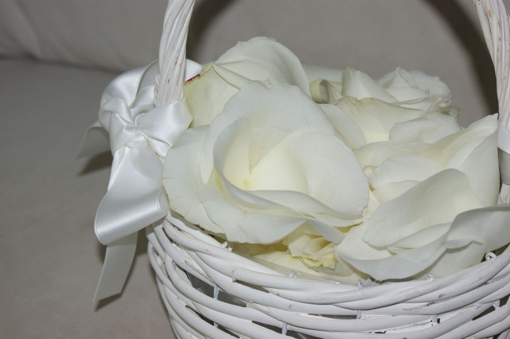 #Nature Lodge #Hochzeitsdekoration #Hochzeit #Dekoration Zeremonie #Kirchendekoration #Streublumen