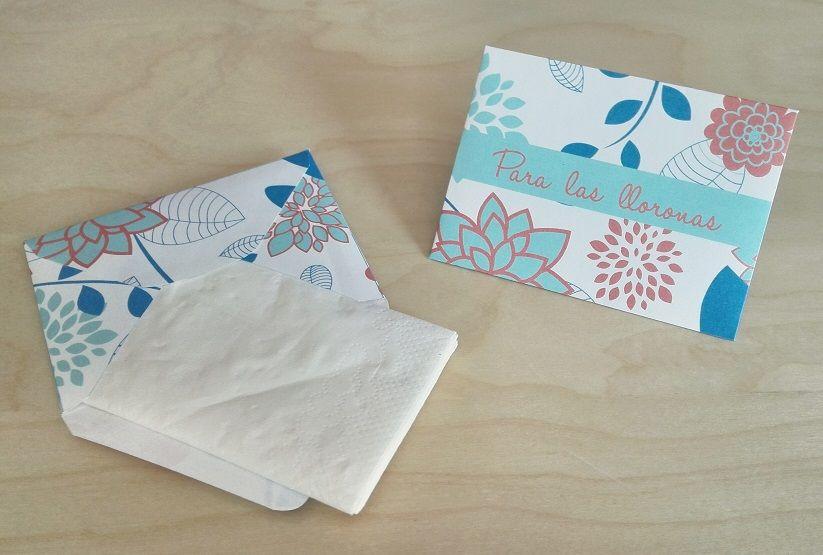 Sobres para Pañuelos Motivo: Flores Color: Azul y Rosa