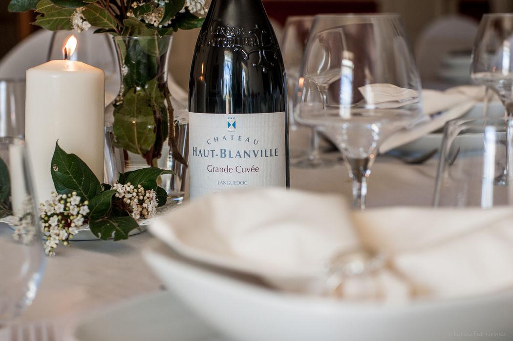 Château Rieutort est un domaine viticole, nous vous demanderons de servir notre vin lors de votre événement.