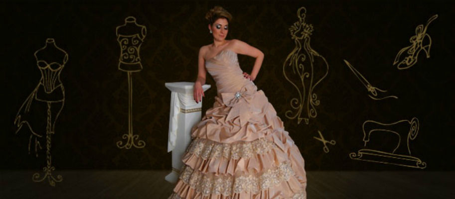 Beispiel: Ballkleid, Foto: Atelier Eleganze.
