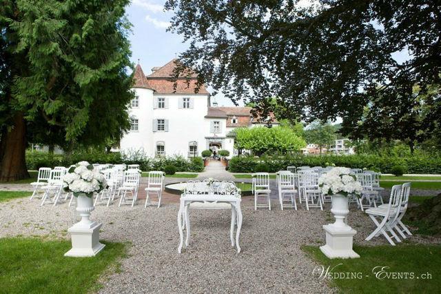 Eine Trauung unter freiem Himmel www.wedding-events.ch