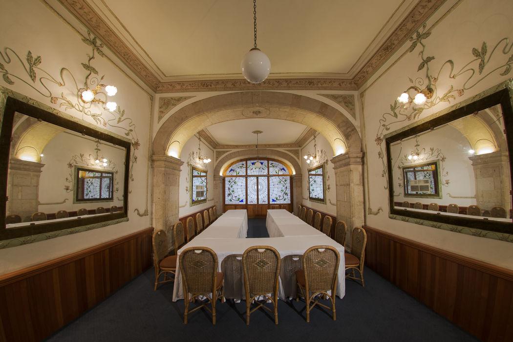Salón Juaninos , ideal para enlace civil , ó acceso a Segundo Patio