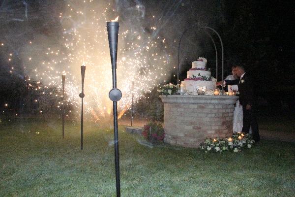 taglio della torta con fuochi d'artificio - Villa Rosa