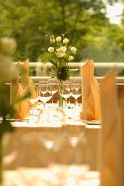 Beispiel: Hochzeitsdekoration, Foto: Parkhotel Schmid.