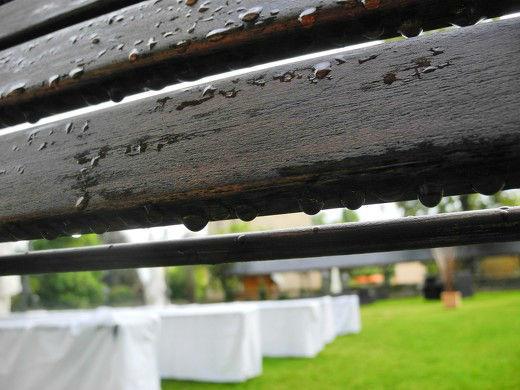 Beispiel: Trauung im Freien trotz Regen, Foto: weDROPS.