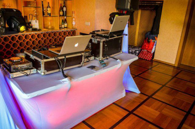 Beispiel: Ton- und Lichttechnik, Foto: Bastian van Rider.