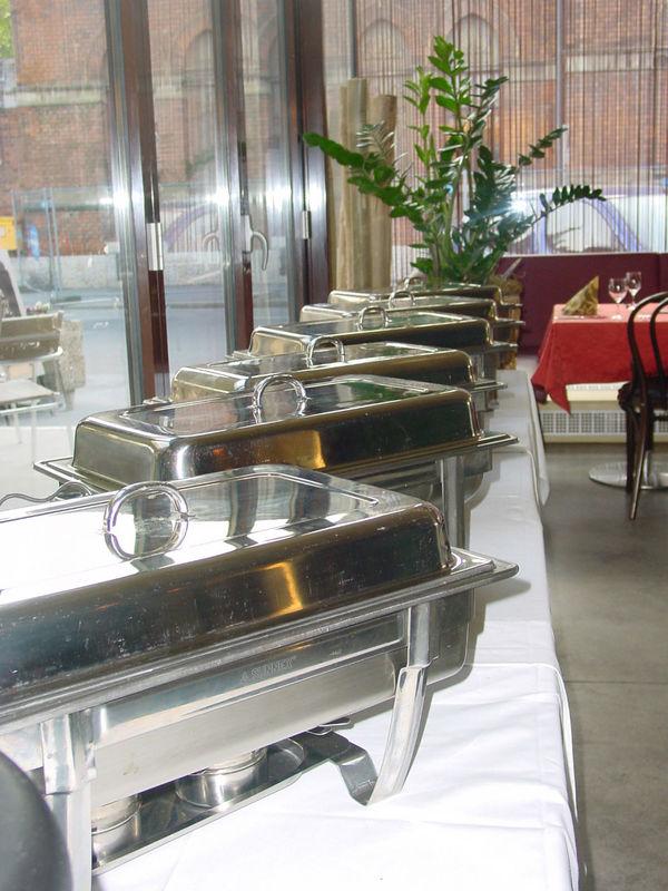 Beispiel: Warmes Buffet, Foto: Hochl & Co.