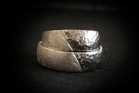 Beispiel: Trauringe - Silber, Foto: Meistergoldschmiede Silver & Gold.