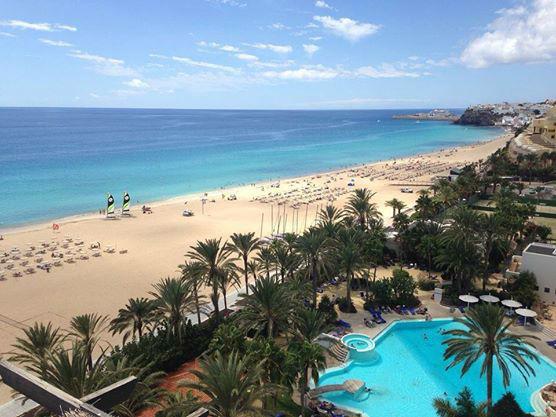 Beispiel: Strand mit Palmen, Foto: Robinson Club.