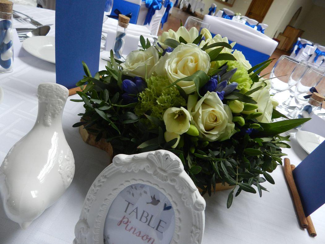 Centre de table bleu et blanc/Estelle Leclerc