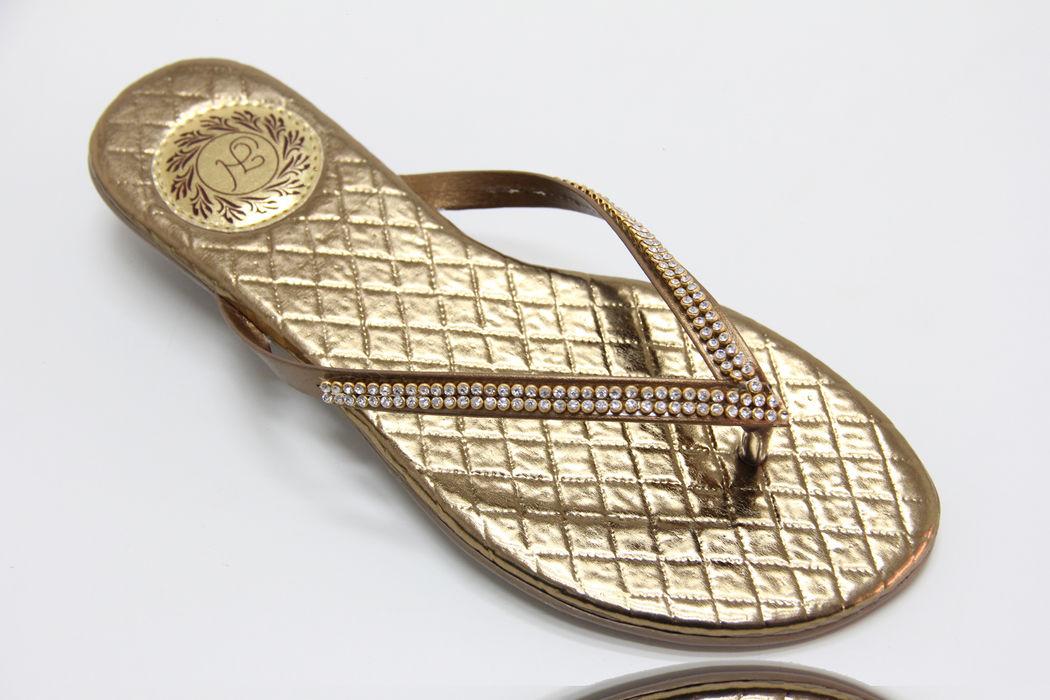 Slim Fashion Matelassê Ouro Velho com Strass Incolor