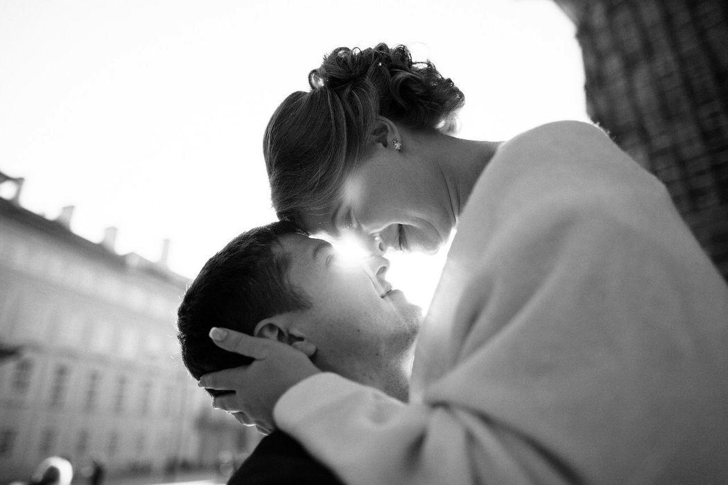 Макияж и прическа: невеста Инна Букет: Наира Меликсетян Фото: Евгений Качаловский Организация: www.pragasvadba.ru