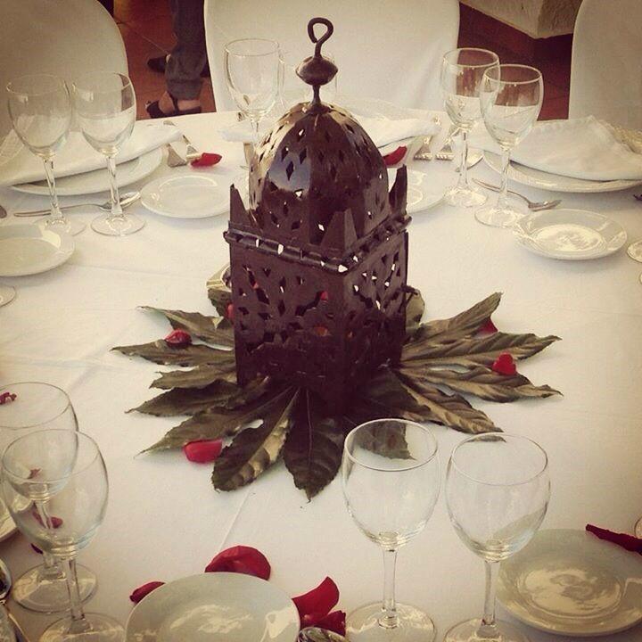 Centro de mesa con farol estilo marroquí