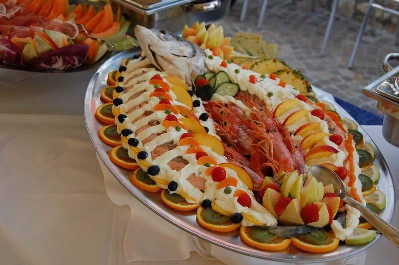 Salmone in bellavista a buffet