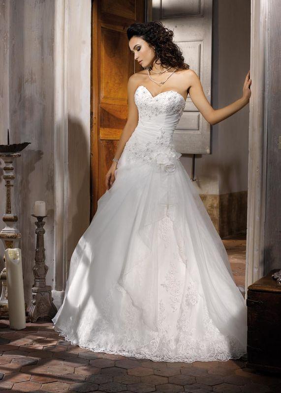 Robes de mariée Miss Kelly par Déclaration Mariage à Sceaux près de Paris
