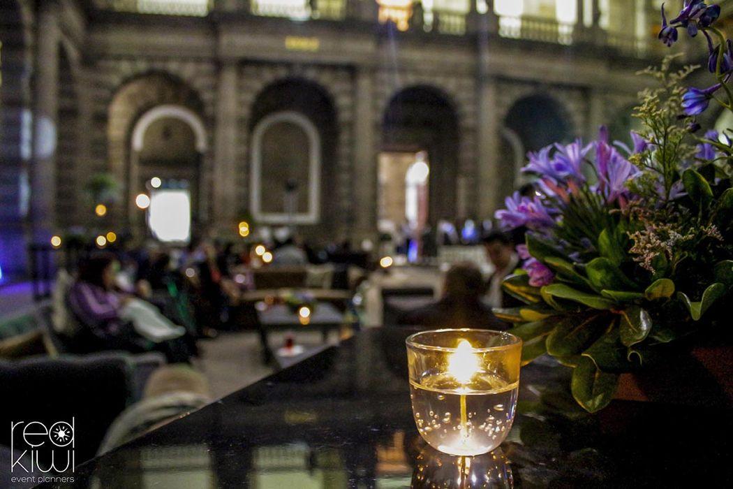 Flores y salas, Palacio de Minería.