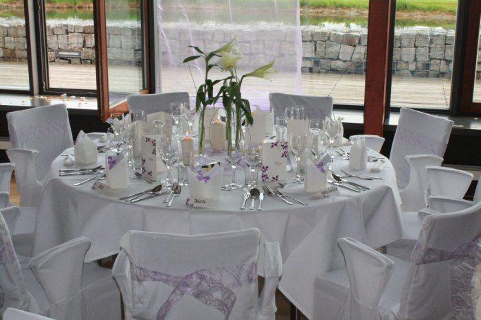 Beispiel: Hochzeitsgedeck in weiß, Foto: Delcanto.