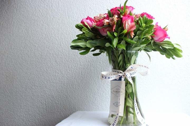 Génova (rosas y astromerias)