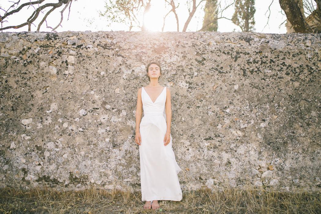 Robe de mariée en soie : Thaïs Lotus