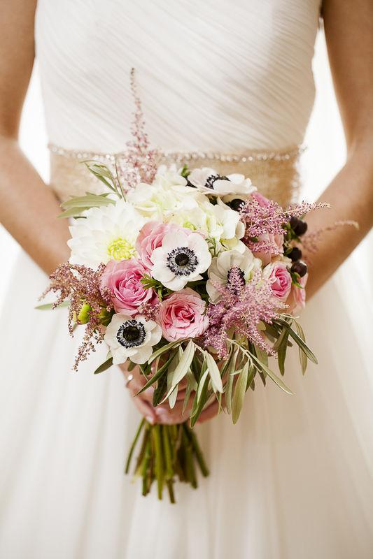 Bouquet de Noiva em tons de rosa, branco e preto