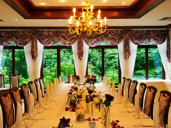 Beispiel: Hochzeitstafel, Foto: Berghotel Augustusberg.