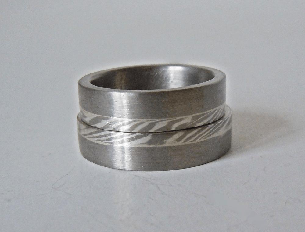 Beispiel: Mokume-Gane Ringe aus Palladium mit Silber/Palladium Mokume Gane, Foto: Trauringkurse-Darmstadt.de