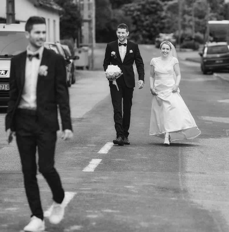 Arrivée des mariés pour la célébration religieuse