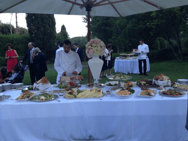 Tavolo buffet per un matrimonio in villa