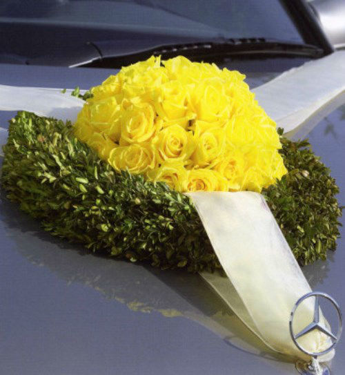 Beispiel: Autoschmuck, Foto: Florales Ambiente.