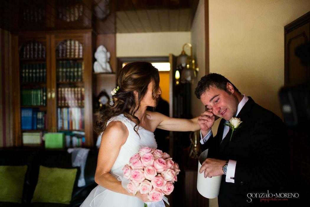 Entrega del ramo a la novia, momento muy emotivo y tierno.