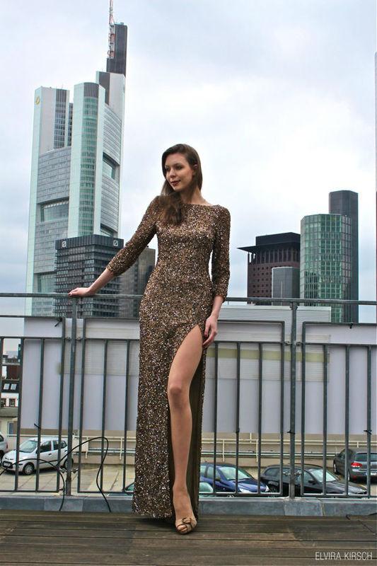 Beispiel: Couture Abendkleider, Foto: Elvira Kirsch.