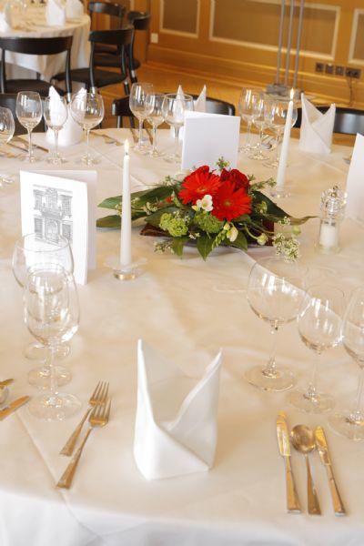 Beispiel: Tischdekoration, Foto: Sorell Hotel Rüden.